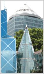 三角のビル