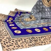 守護のスカーフ