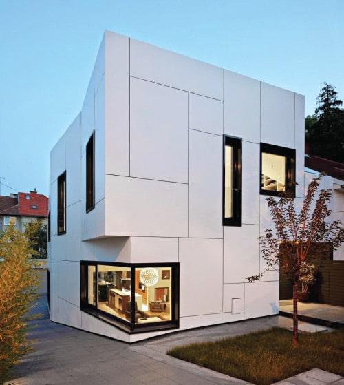 立方体のようなデザインの家